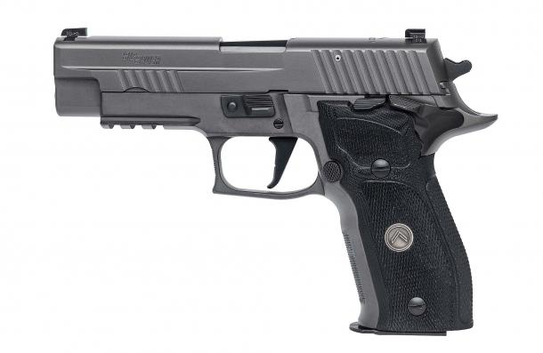 Pistola semiautomatica SIG Sauer P226 Legion SAO