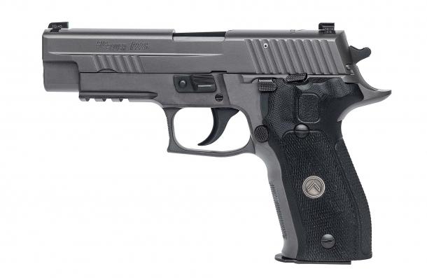 Pistola semiautomatica SIG Sauer P226 Legion
