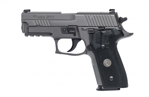 Pistola semiautomatica SIG Sauer P229 Legion