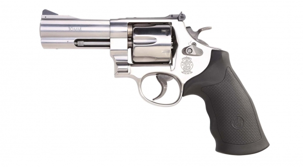 Revolver Smith & Wesson 610 con canna da 4""