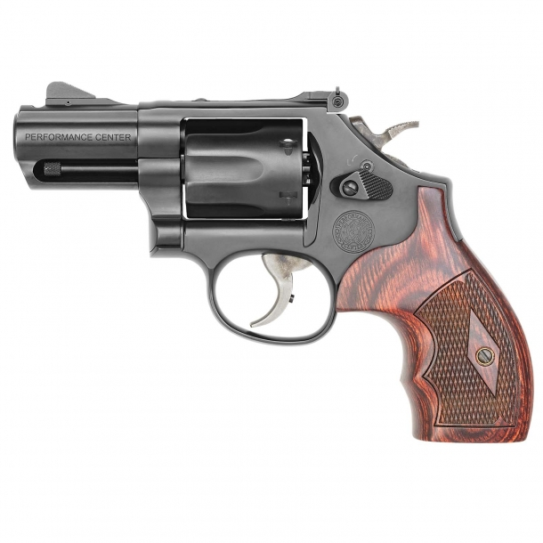 """Smith & Wesson Model 19 Performance Center Carry Comp revolver with 2.5"""" barrel – left side"""
