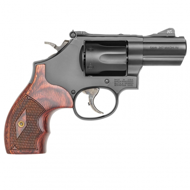"""Smith & Wesson Model 19 Performance Center Carry Comp revolver with 2.5"""" barrel – right side"""