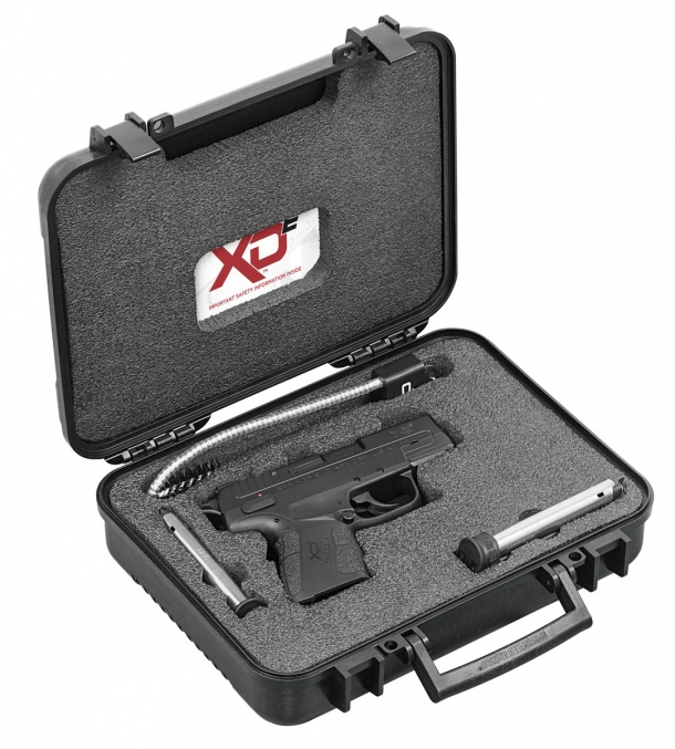 The Springfield Armory XD-E is delivered in a foam-padded black case along with two spare magazines, a gun lock, and the user manual