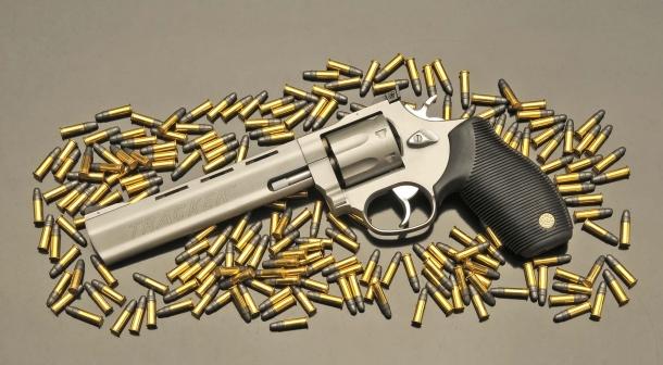 Il Taurus 970 SS da 9 colpi in calibro .22 Long Rifle