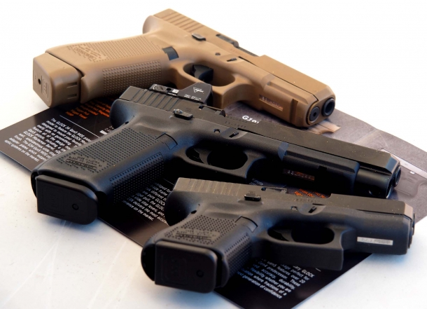 Glock 26 and Glock 34 in comparison with new Glock 19X at the Industry Day at range