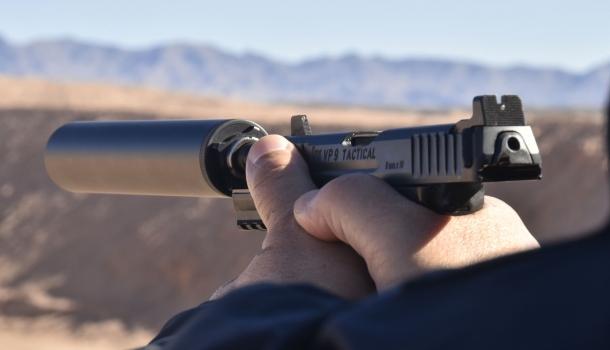 """Nella loro versione """"Tactical"""", la VP9 e la VP40 sono rapidamente equipaggiabili di silenziatore"""