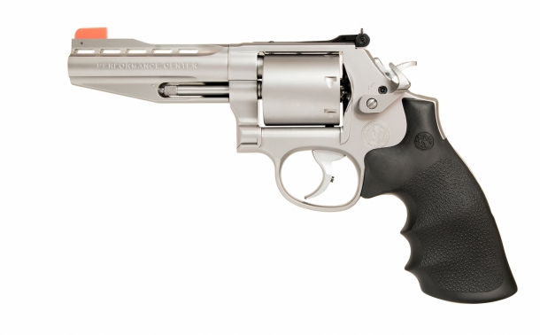 Smith & Wesson Performance Center Model 686