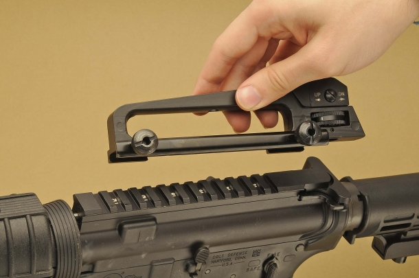 The removable carrying handle