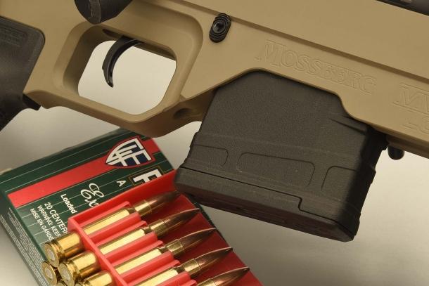Il fucile è dotato di caricatore da 10 colpi Magpul PMAG 10 LR/SR GEN M3