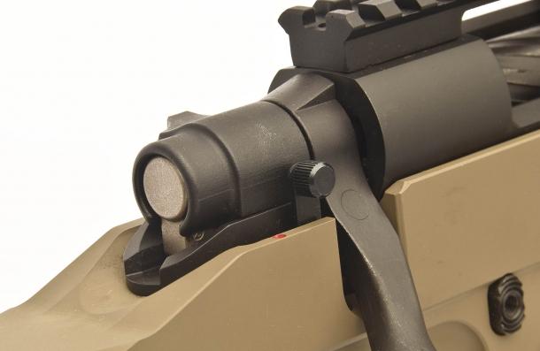Ad arma carica, la coda del percussore e visibile e verificabile al tatto