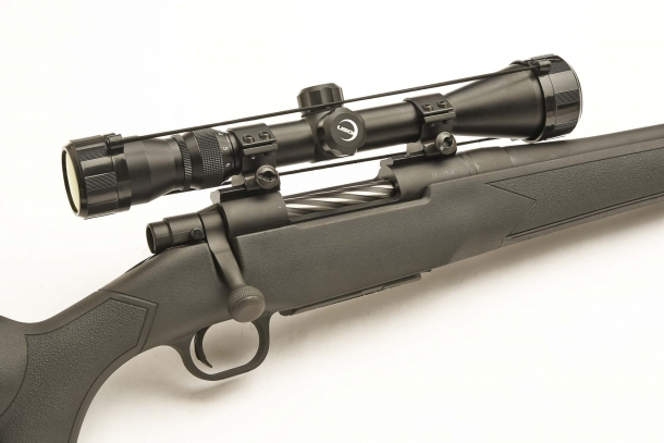 The rifle comes with an USOI 3-9x40 riflescope