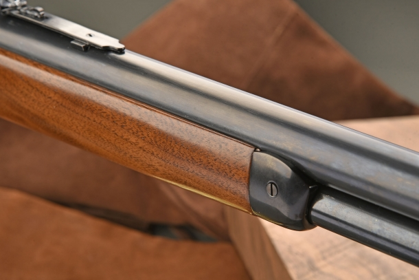 The round barrel is one of the distinctive elements of the Pedersoli 1886 Sporting Classic rifle