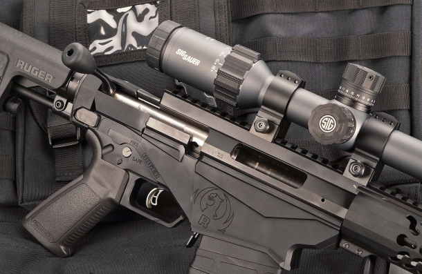 Il fucile, con l'otturatore aperto