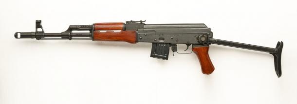 Lato sinistro dell'SDM AK-74