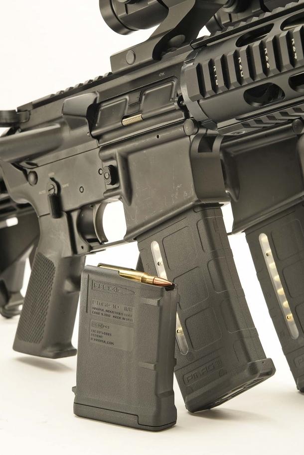 Gli M4 SDM usano caricatori STANAG da 10 o più colpi