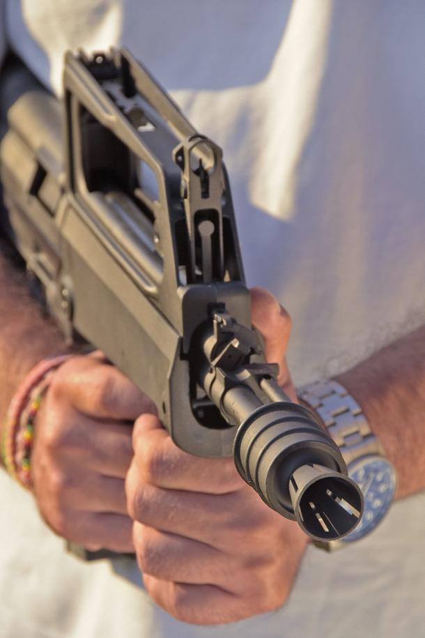 Lo M77 Commando al tiro istintivo: ottima maneggevolezza
