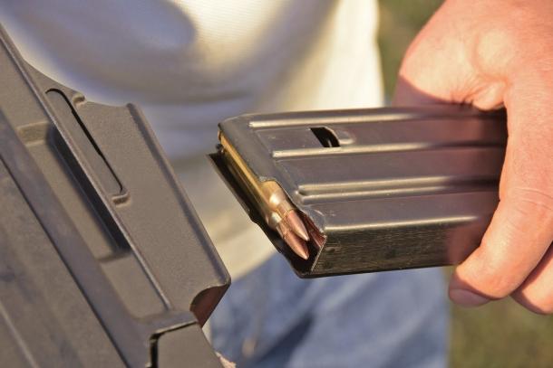 """Uno dei """"punti deboli"""" dello schema tecnico dell'arma: è sensibile al tipo di caricatori utilizzato"""