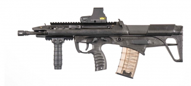The BR18-AR (Automatic Rifle) is lighter and simpler than the BMCR prototype, making it easier and less expensive to manufacture on a large scale