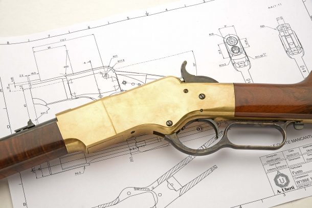 "Looking at the left side of the receiver shows the clear connection between this ""early"" 1866 specimen worked out by Uberti and the typical profile of the receiver of the Henry rifle"