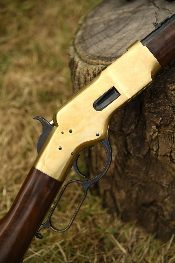 Winchester 1866 Yellowboy. Non serve dire altro...