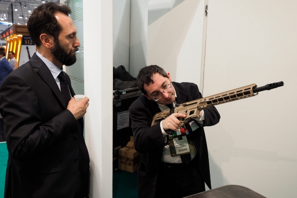 Pierangelo Tendas – senior editor for GUNSweek.com – inspects the BCM-15 prototype with Gianmattia Molina, the owner of BCM Europearms