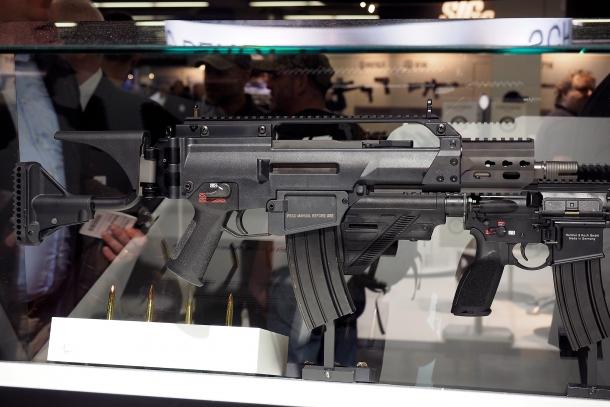 Lo HK237 è una variante del G36C camerata nei calibri .300 AAC Blackout e .300 Whisper