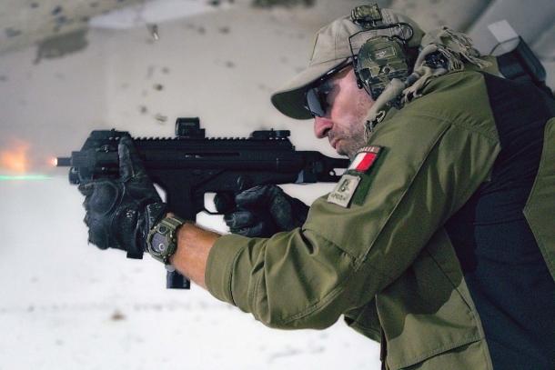 La PMX di Beretta al tiro: le dimensioni ridotte non influiscono negativamente sulla controllabilità