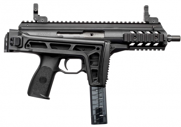 The Beretta PMX seen from the right side with its stock side-folded: a full set of Picatinny rails ensure compatibility with all sorts of tactical accessories and optical sighting systems