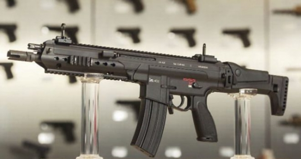 One of the first available pictures of the Heckler & Koch HK433 assault rifle