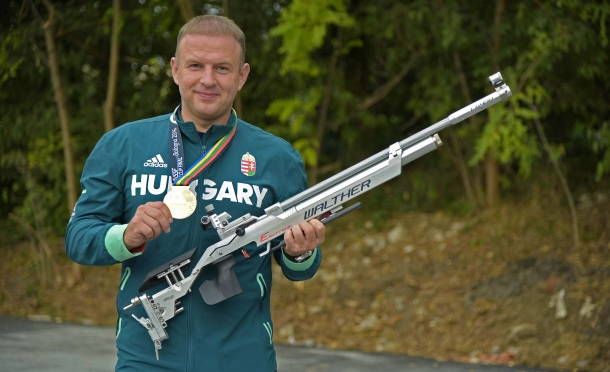 The Hungarian champion Peter Sidi, Gold medal in the 10 meter air rifle competition at the 2016 ISSF World Cup final in Bologna, last week. Peter Sidi shoots with Walther rifles