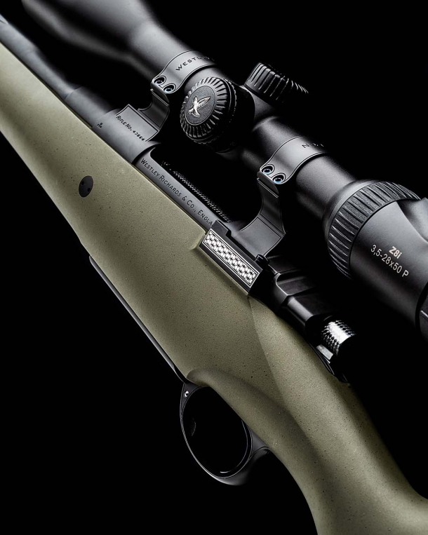Fucile Westley Richards Synthetic All Weather Mountain Rifle: eleganza in polimero