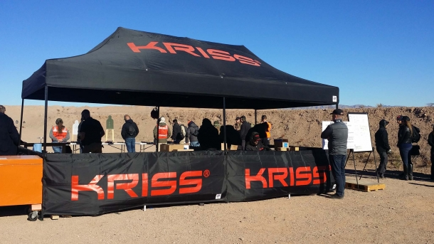 Lo stand KRISS al poligono di tiro all'Industry Day