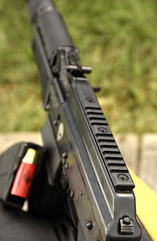 MIL-STD 1913 Picatinny on top cover of the AK-12s shotgun, for optical sights