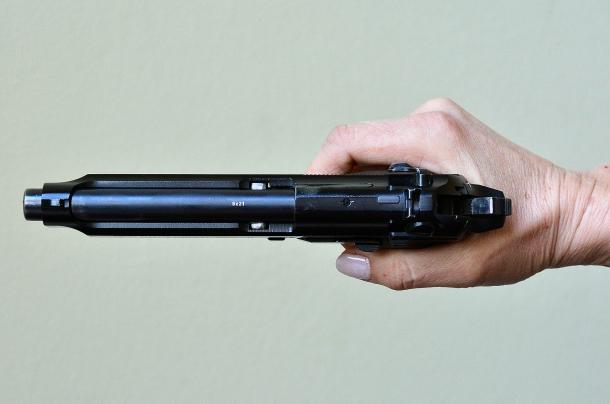 l'asse della canna, allineata perfettamente con l'asse dell'avambraccio, permette una corretta trazione sul grilletto
