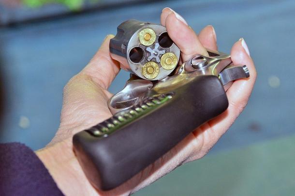 il tamburo di un revolver riempito parzialmente, permette di controllare se abbiamo perfezionato la nostra tecnica di scatto.