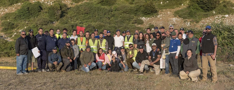 Foto di gruppo degli organizzatori insieme ai vincitori dell'annuale Trofeo Fiocchi-Sabatti