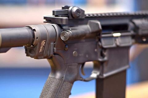 Lo AR Folding Stock Adapter Gen 3-M è un adattatore per calci pieghevoli per carabine e fucili di derivazione AR-15, prodotto dalla statunitense Law Tactical