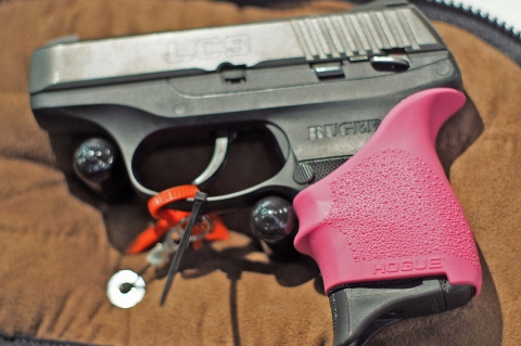 Hogue HandALL Universal Grip Sleeves, per le pistole più compatte