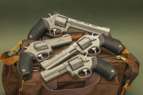 I revolver Taurus Tracker National Match