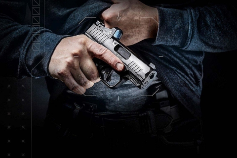 Extremely compact and lightweight, featuring an innovative locking system, the R7 Mako is Kimber's first polymer frame, striker-fired pistol