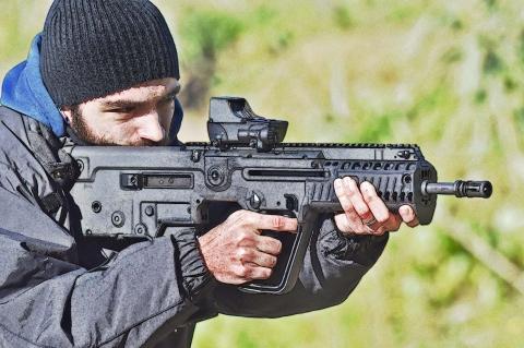 """IWI Tavor X95, il guerriero """"civilizzato"""" (le origini)"""