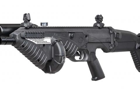Lo FN 303 Tactical è la versione più recente del lanciatore antisommossa FN 303 calibro .68, aggiornato nel design, ridotto nelle dimensioni e munito di calcio e impugnatura modulari