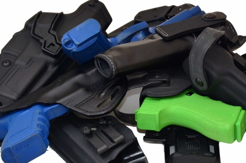 La pistola full size sotto gli indumenti