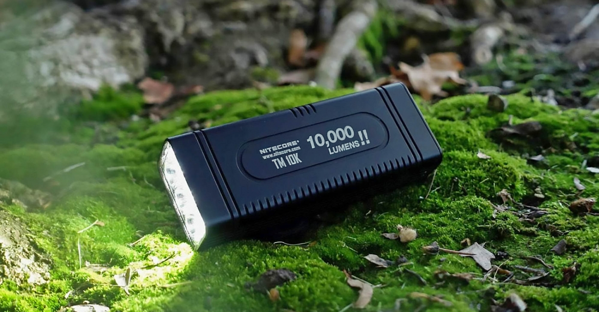 Nitecore TM10K 10.000 lumen flashlight
