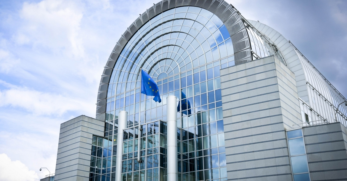 Unsettling questions emerge following clashing reactions of two Italian EPP MEPs to the outcome of the IMCO vote on the trilogue