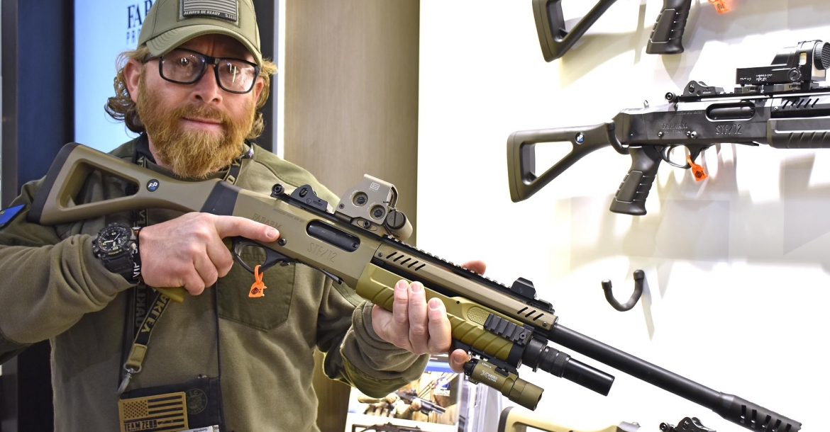 At SHOT Show 2018, the presentation of the FABARM STF/12 shotguns has been performed by Instructor Zero