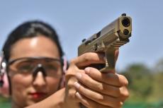 Nella foto: una pistola Canik TP9 SF