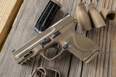 """New Smith & Wesson M&P M2.0 Compact pistol """"Flat Dark Earth"""""""